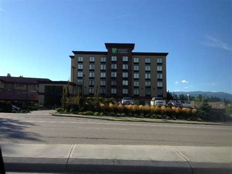 Hotel building - Picture of Kanata Kelowna Hotel and